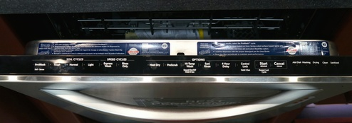 From the concealed control panel, you can program a wash cycle, delay the start of a cycle or set the child lock.